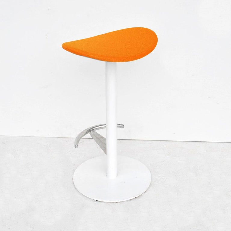 1 Modern Steelcase Enea Counter Stool by Josep Llusca In Good Condition For Sale In Pasadena, TX