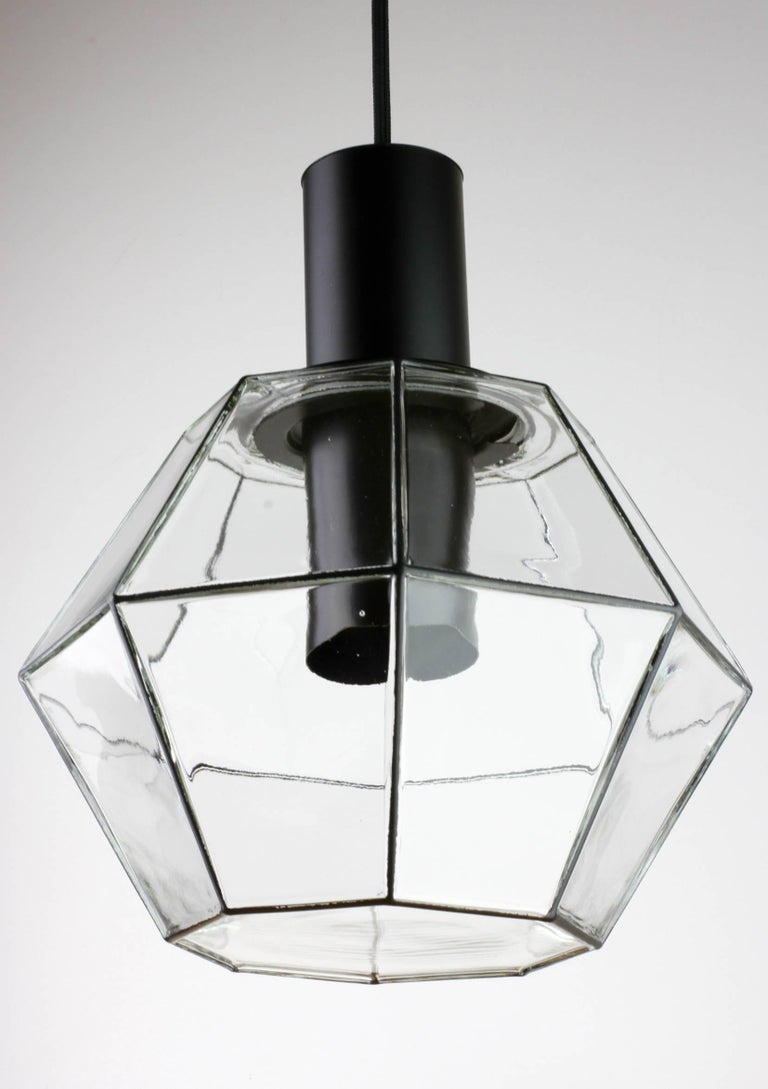 1 of 10 Minimalist Geometric Black & Clear Glass Pendant Lights by Limburg 1970s In Good Condition For Sale In Landau an der Isar, Bayern