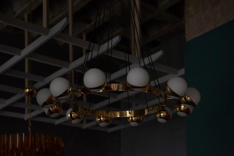 Huge Brass and Murano Glass Chandelier For Sale 4