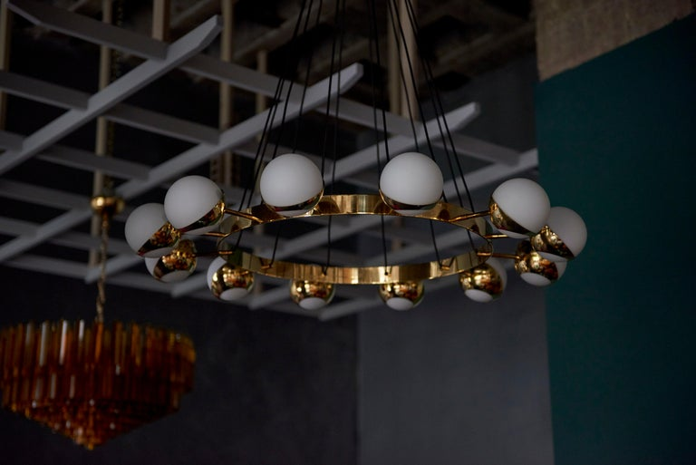 Huge Brass and Murano Glass Chandelier For Sale 5