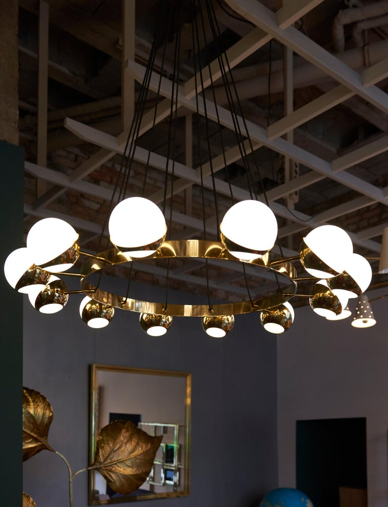 Huge Brass and Murano Glass Chandelier For Sale 3