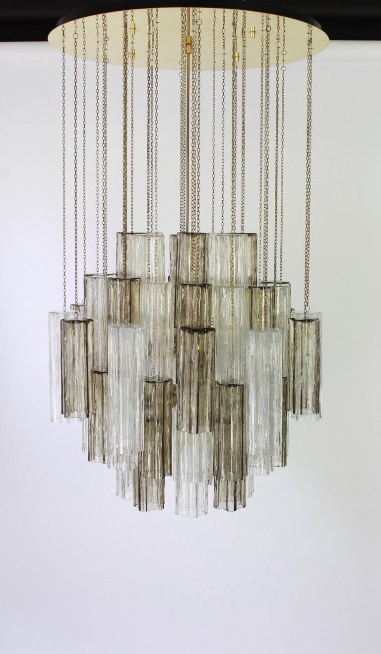 1 of 2 Large Murano Glass Chandelier Design Venini for Kalmar, Austria, 1960s For Sale 5