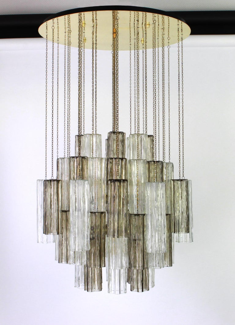 1 of 2 Large Murano Glass Chandelier Design Venini for Kalmar, Austria, 1960s For Sale 6