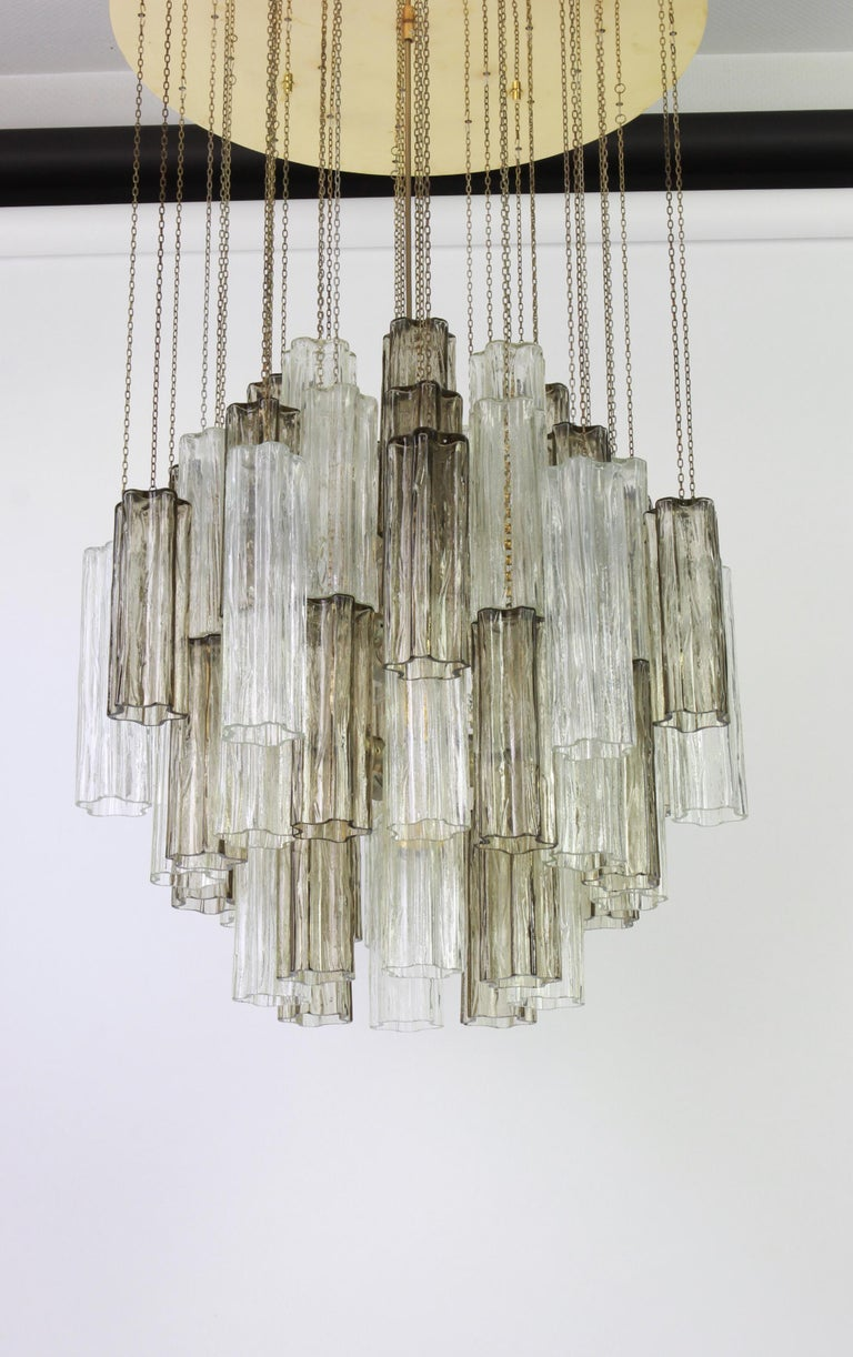 1 of 2 Large Murano Glass Chandelier Design Venini for Kalmar, Austria, 1960s For Sale 7