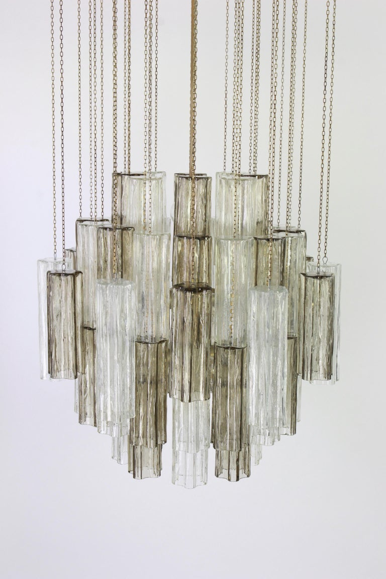 1 of 2 Large Murano Glass Chandelier Design Venini for Kalmar, Austria, 1960s In Good Condition For Sale In Aachen, DE