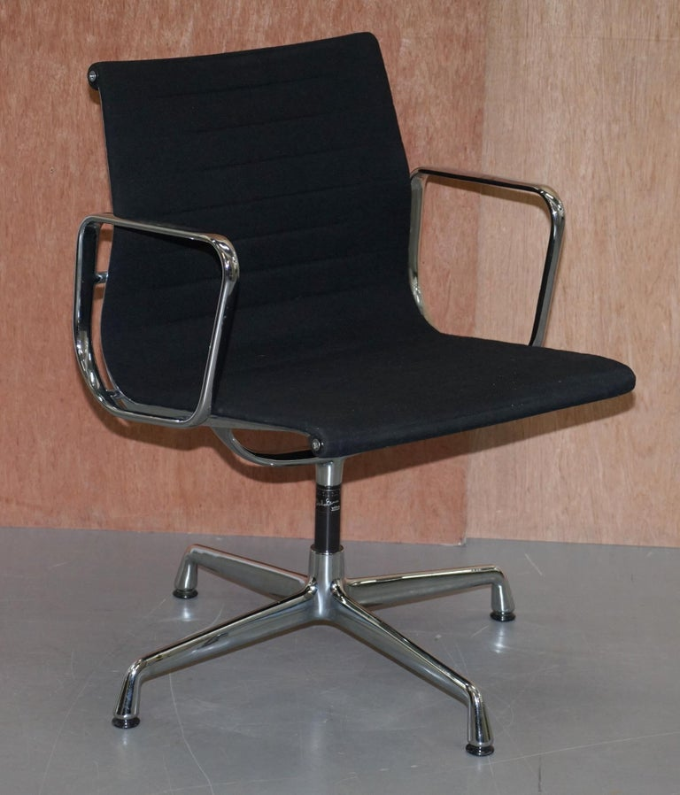 1 of 2 Original Vitra Eames EA 108 Hopsak Swivel Office Chairs For Sale 5