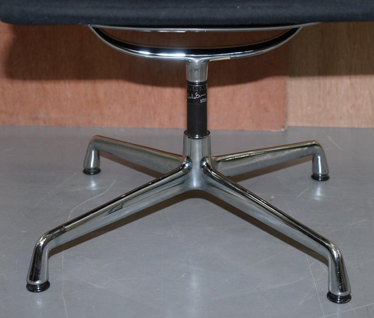 1 of 2 Original Vitra Eames EA 108 Hopsak Swivel Office Chairs For Sale 7
