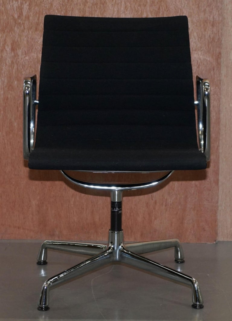 Mid-Century Modern 1 of 2 Original Vitra Eames EA 108 Hopsak Swivel Office Chairs For Sale