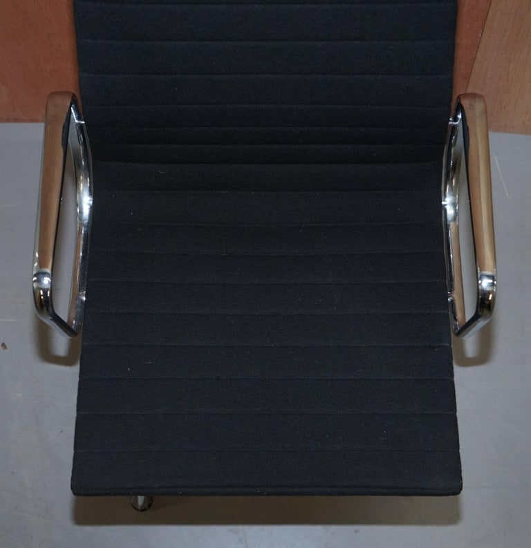 Hand-Crafted 1 of 2 Original Vitra Eames EA 108 Hopsak Swivel Office Chairs For Sale