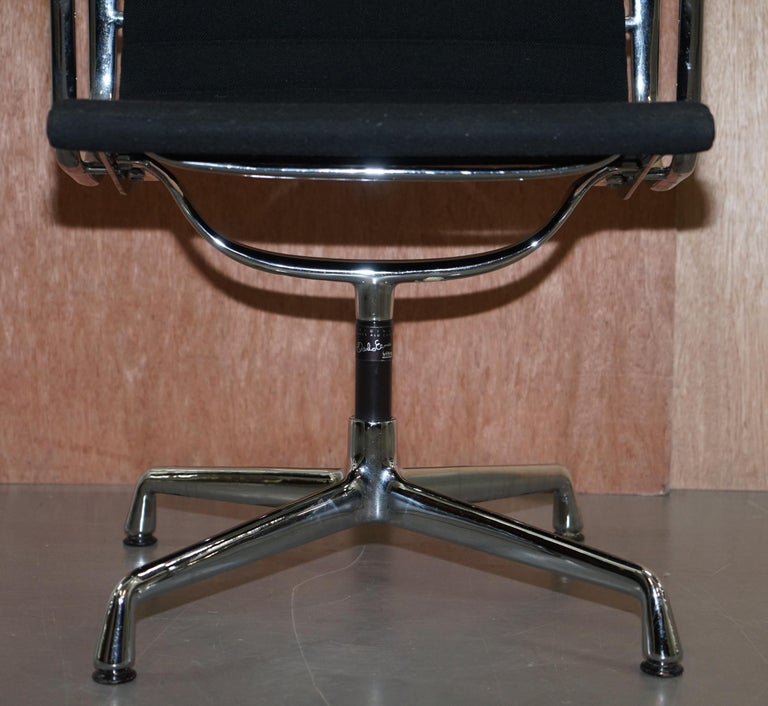 20th Century 1 of 2 Original Vitra Eames EA 108 Hopsak Swivel Office Chairs For Sale