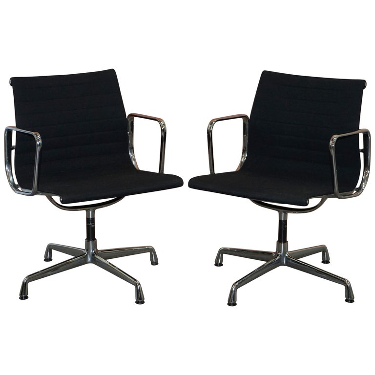 1 of 2 Original Vitra Eames EA 108 Hopsak Swivel Office Chairs For Sale