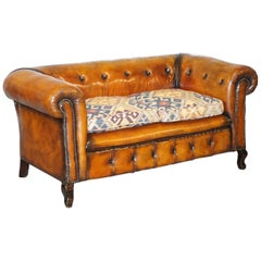 1 of 2 Restored Victorian Gentleman's Club Chesterfield Leather Sofas Kilim Seat