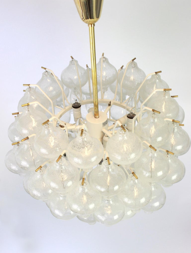 1 of 5 Large Tulipan Glass Chandelier by Kalmar, Austria, 1960s For Sale 3