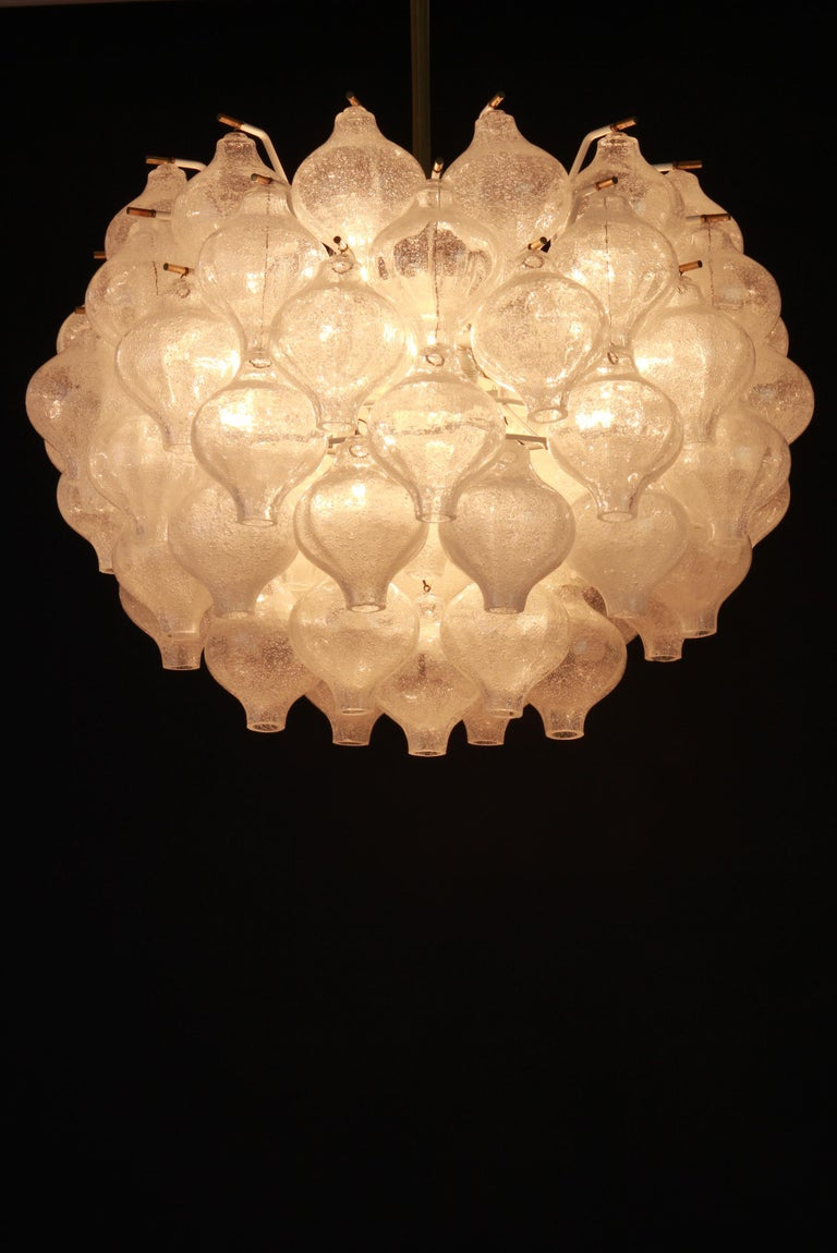1 of 5 Large Tulipan Glass Chandelier by Kalmar, Austria, 1960s For Sale 5