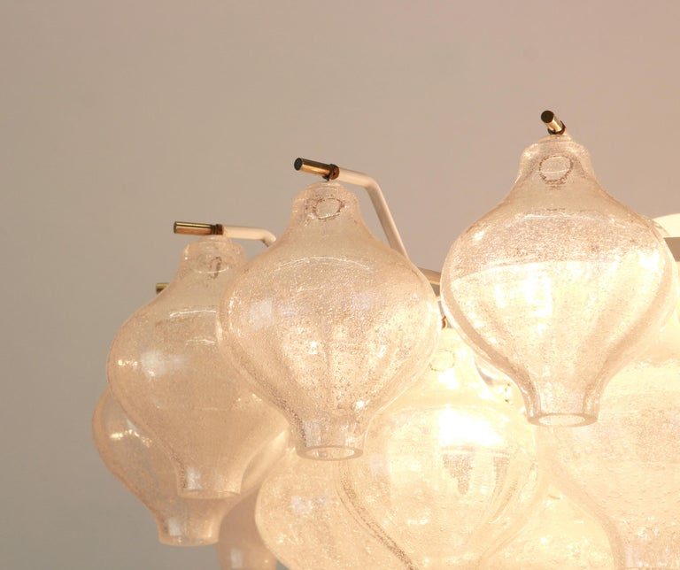 1 of 5 Large Tulipan Glass Chandelier by Kalmar, Austria, 1960s For Sale 6