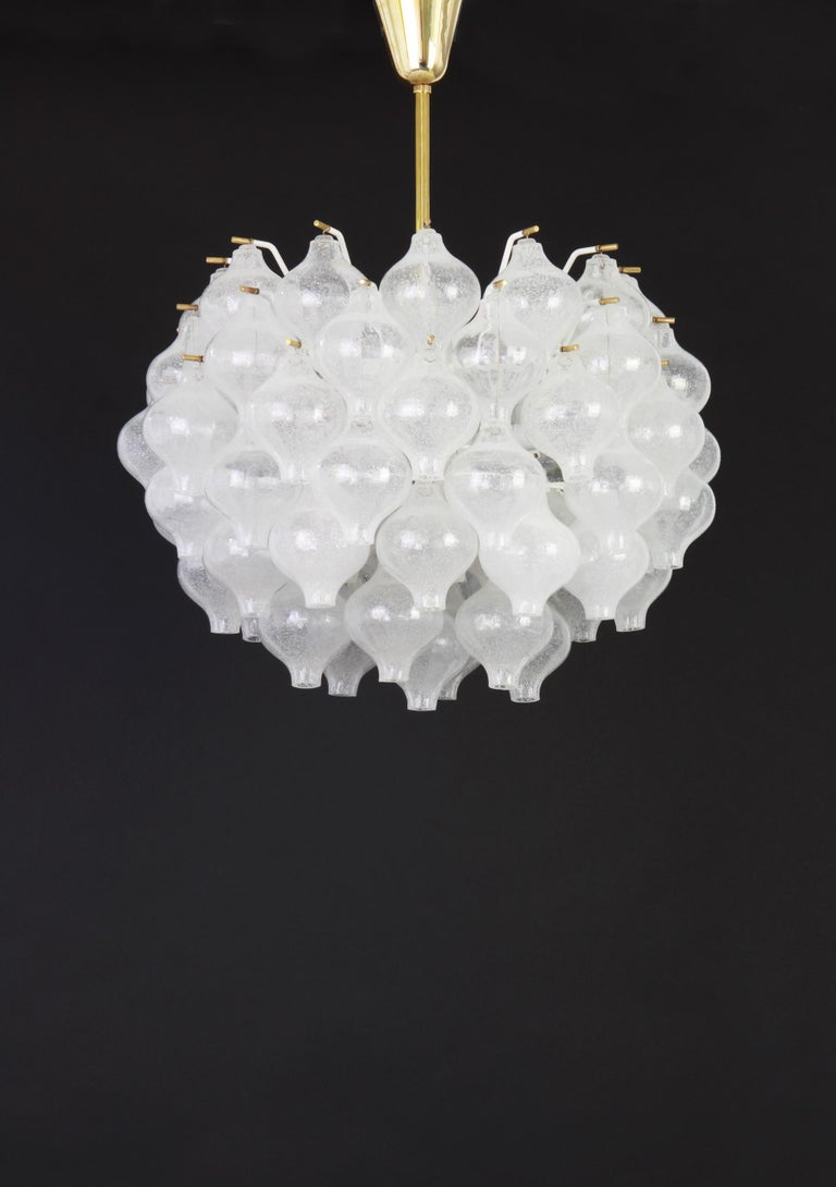 1 of 5 Large Tulipan Glass Chandelier by Kalmar, Austria, 1960s In Good Condition For Sale In Aachen, DE