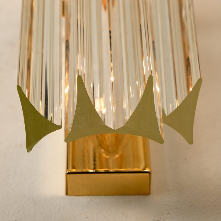 1 of the 4 Venini Style Murano Glass and Gilt Brass Sconces, Italy For Sale 2