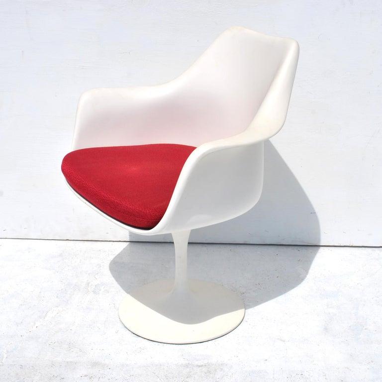 1 Original Knoll Eero Saarinen Swivel Tulip Armchair In Good Condition For Sale In Pasadena, TX
