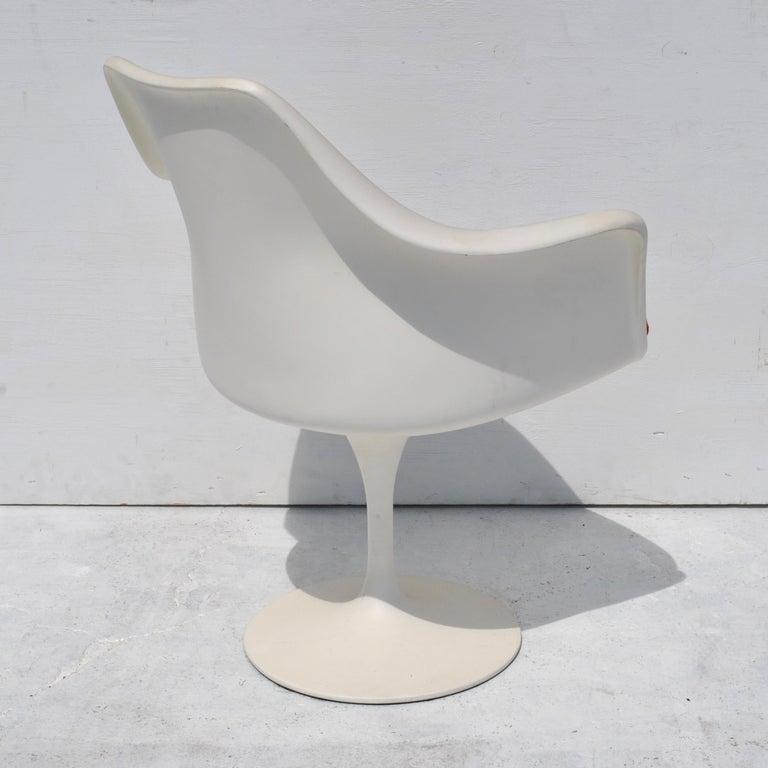 1 Original Knoll Eero Saarinen Swivel Tulip Armchair For Sale 1