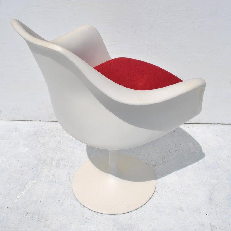1 Original Knoll Eero Saarinen Swivel Tulip Armchair For Sale 2