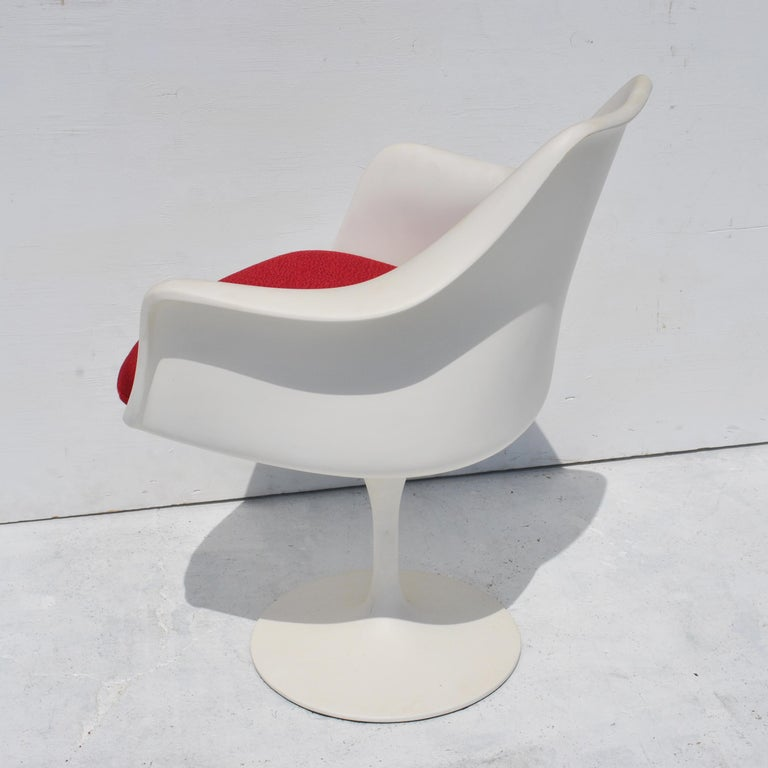 1 Original Knoll Eero Saarinen Swivel Tulip Armchair For Sale 4