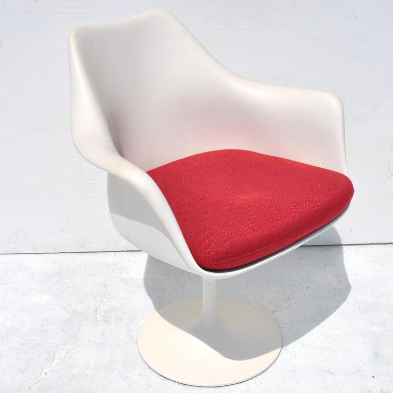1 Original Knoll Eero Saarinen Swivel Tulip Armchair For Sale 5