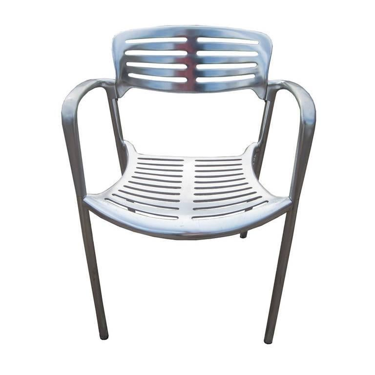 One vintage Toledo chairs designed by Jorge Pensi for Amat distributed by Knoll. Made of reinforced thermo-treated cast aluminum, these chairs are ideal for outdoor use but are versatile and comfortable enough to function well indoors. These chairs