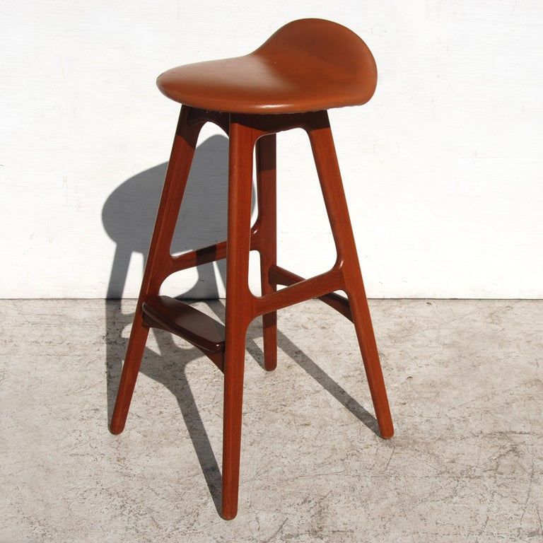 '1' Vintage Erik Buch Leather Solid Teak & Rosewood Stool In Good Condition For Sale In Pasadena, TX