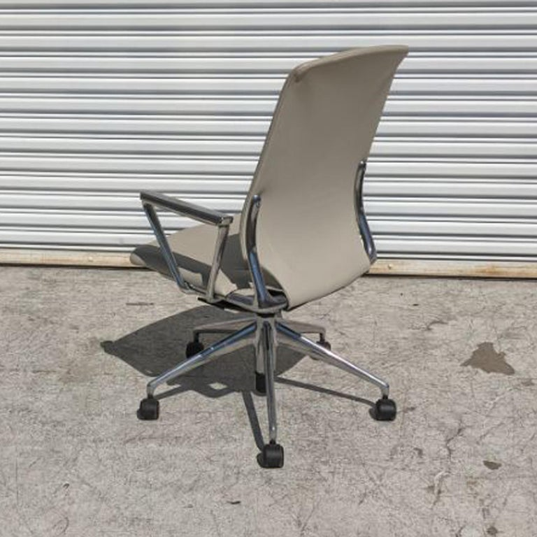 Modern 1 Vitra Meta Conference Chair by Alberto Meda 12 Available For Sale