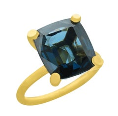 10 Carat Blue Spinel Ring, 18 Karat Yellow Gold