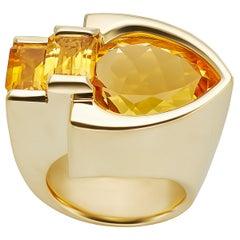 10 Carat Citrine 18 Karat Yellow Gold Ring