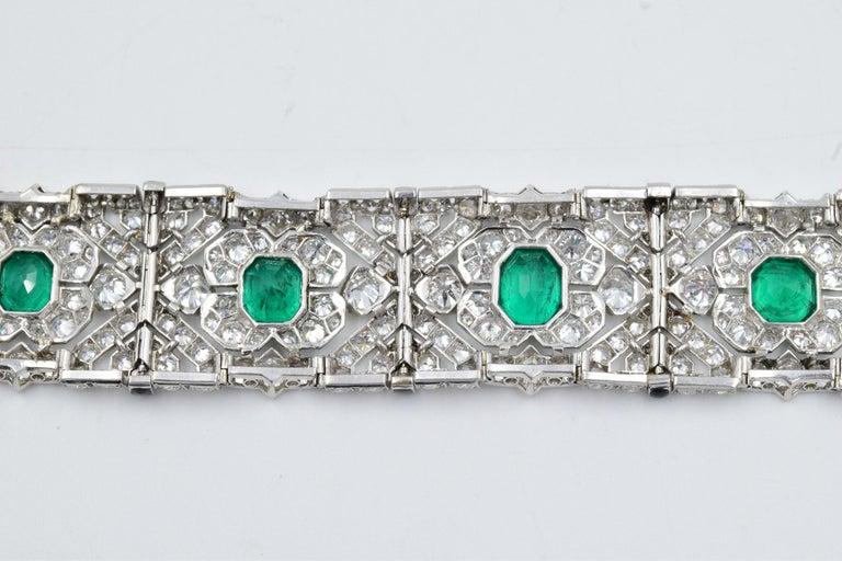 10 Carat Columbian Emerald Bracelet in Platinum AGL Certified 20 Carat 1920s Era In Good Condition For Sale In Carmel, IN