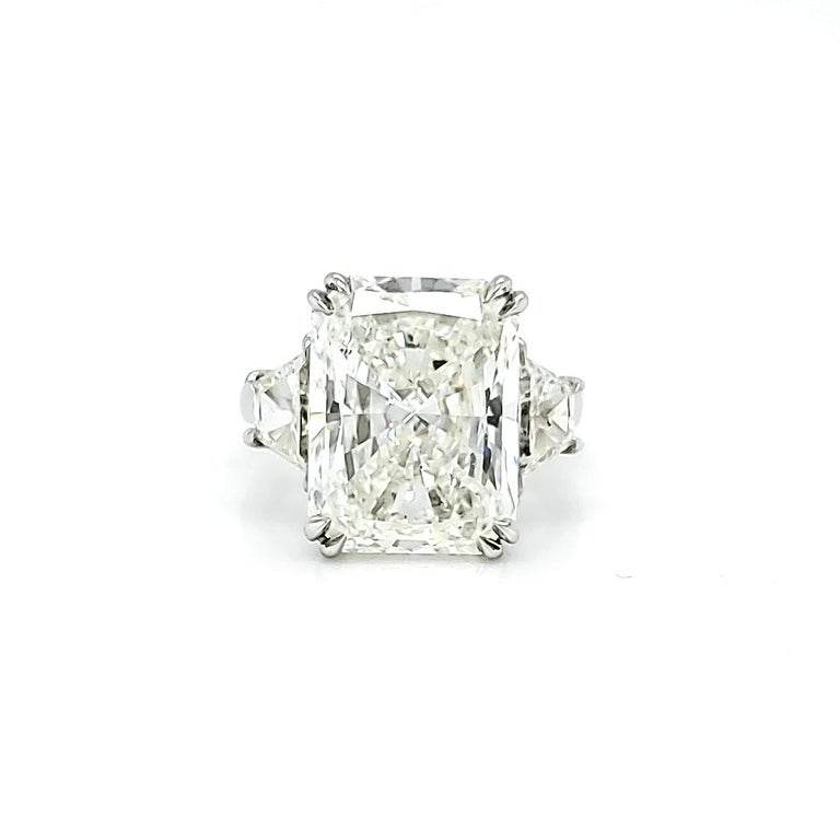 Radiant Cut 10 Carat Diamond Ring, Three-Stone Engagement Ring, Trapezoid, Radiant, 11 Carat For Sale