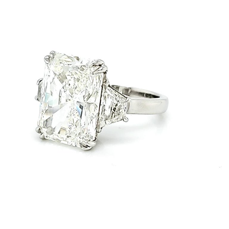 10 Carat Diamond Ring, Three-Stone Engagement Ring, Trapezoid, Radiant, 11 Carat In New Condition For Sale In Austin, TX