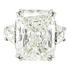 10 Carat Diamond Ring, Three-Stone Engagement Ring, Trapezoid, Radiant, 11 Carat
