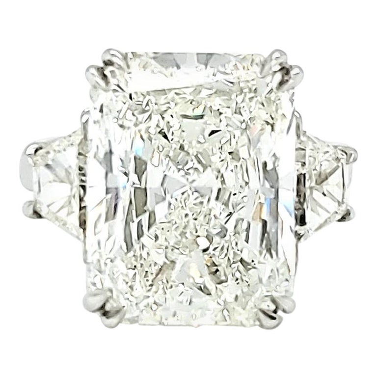 10 Carat Diamond Ring, Three-Stone Engagement Ring, Trapezoid, Radiant, 11 Carat For Sale