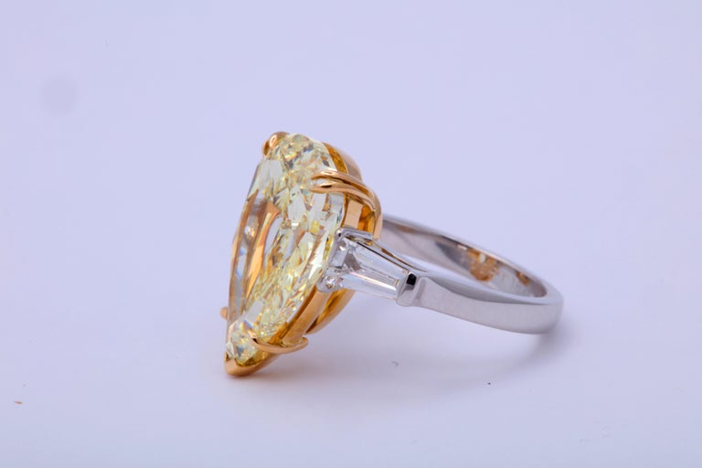 10 Carat Fancy Yellow Pear Shape Ring GIA Certified For Sale 1