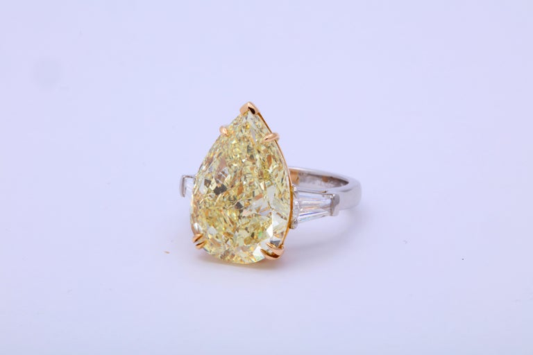 10 Carat Fancy Yellow Pear Shape Ring GIA Certified For Sale 4