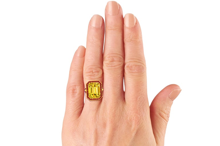 10 Carat Yellow Sapphire Emerald Cut and Ruby Ring For Sale 1