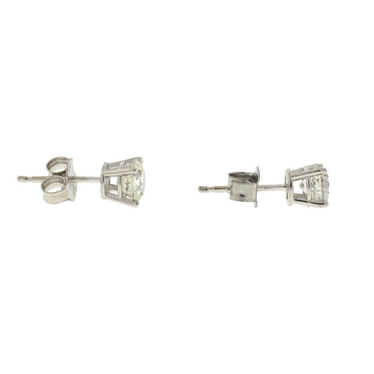 10 Karat White Gold Diamond Stud Earrings .75 Carat In Excellent Condition For Sale In Boca Raton, FL