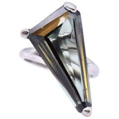 10 Karat White Gold Triangular Polygon Green Quartz Ring