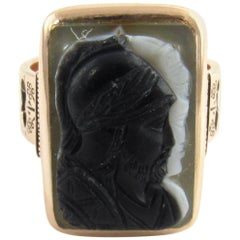10 Karat Yellow Gold and Black Onyx Cameo Ring