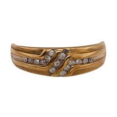 10 Karat Yellow Gold and Diamond Fashion Ring Band Wedding / Bridal