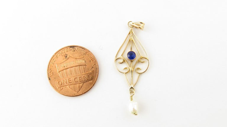 10 Karat Yellow Gold Blue Sapphire and Pearl Pendant For Sale 1