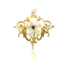 10 Karat Yellow Gold Freshwater Pearl and Sapphire Pendant / Brooch
