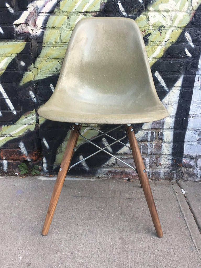 Mid-Century Modern 10 Multicolored Herman Miller Eames Dining Chairs For Sale