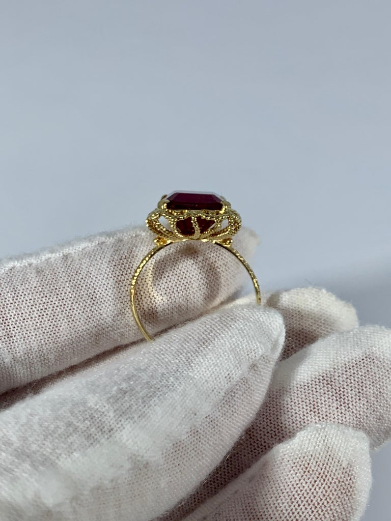Emerald Cut 7 Carat Treated Ruby 18 Karat Yellow Gold Ring For Sale 4