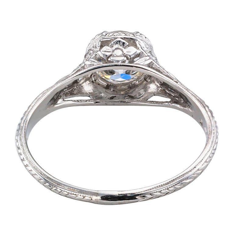 1.00 Carat Art Deco Diamond Solitaire Platinum Engagement Ring For Sale 1