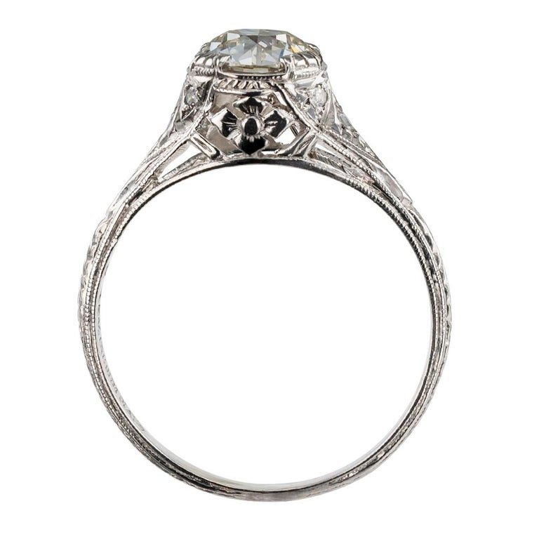 1.00 Carat Art Deco Diamond Solitaire Platinum Engagement Ring For Sale 2