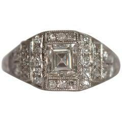1.00 Carat Diamond Platinum Engagement Ring